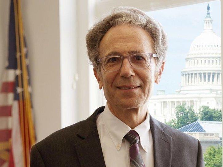 Drejtori i USAGM jep dorëheqjen