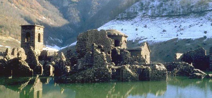 U përmbyt nga liqeni, fshati misterioz pritet të shfaqet sërish për herë të katërt