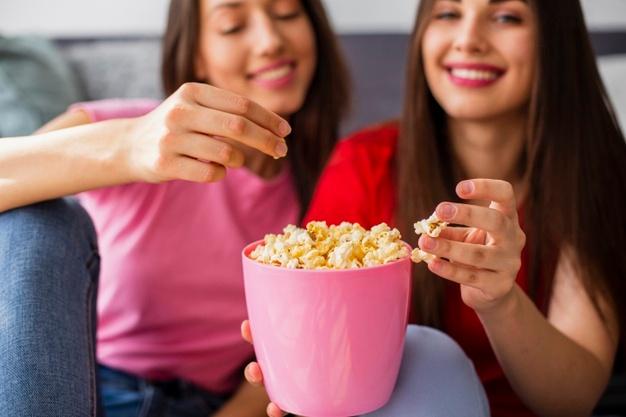 Pesë arsye të rëndësishme për të përfshirë kokoshkat në dietën tuaj