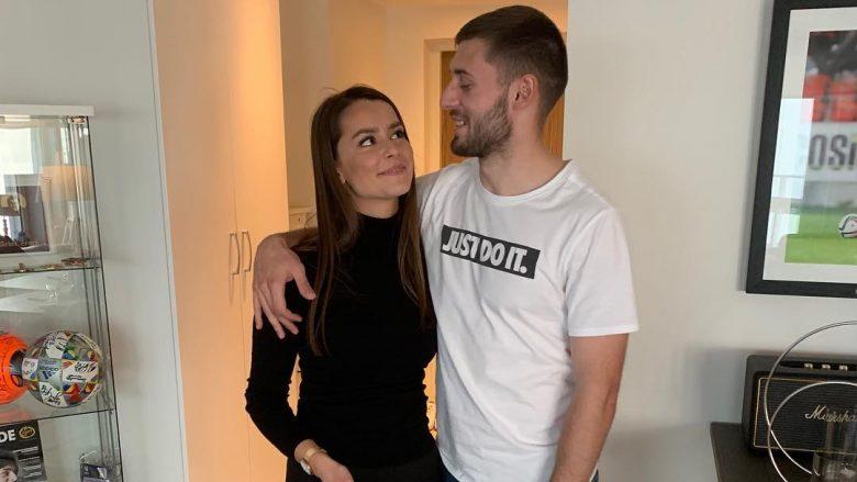 Asnjë foto së bashku, ylli Kosovës ndahet nga e fejuara?