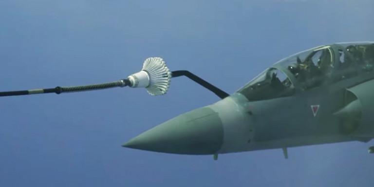 "Si rrufe! Pamjet brenda avionit luftarak ""Rafale"" mbi Egje"