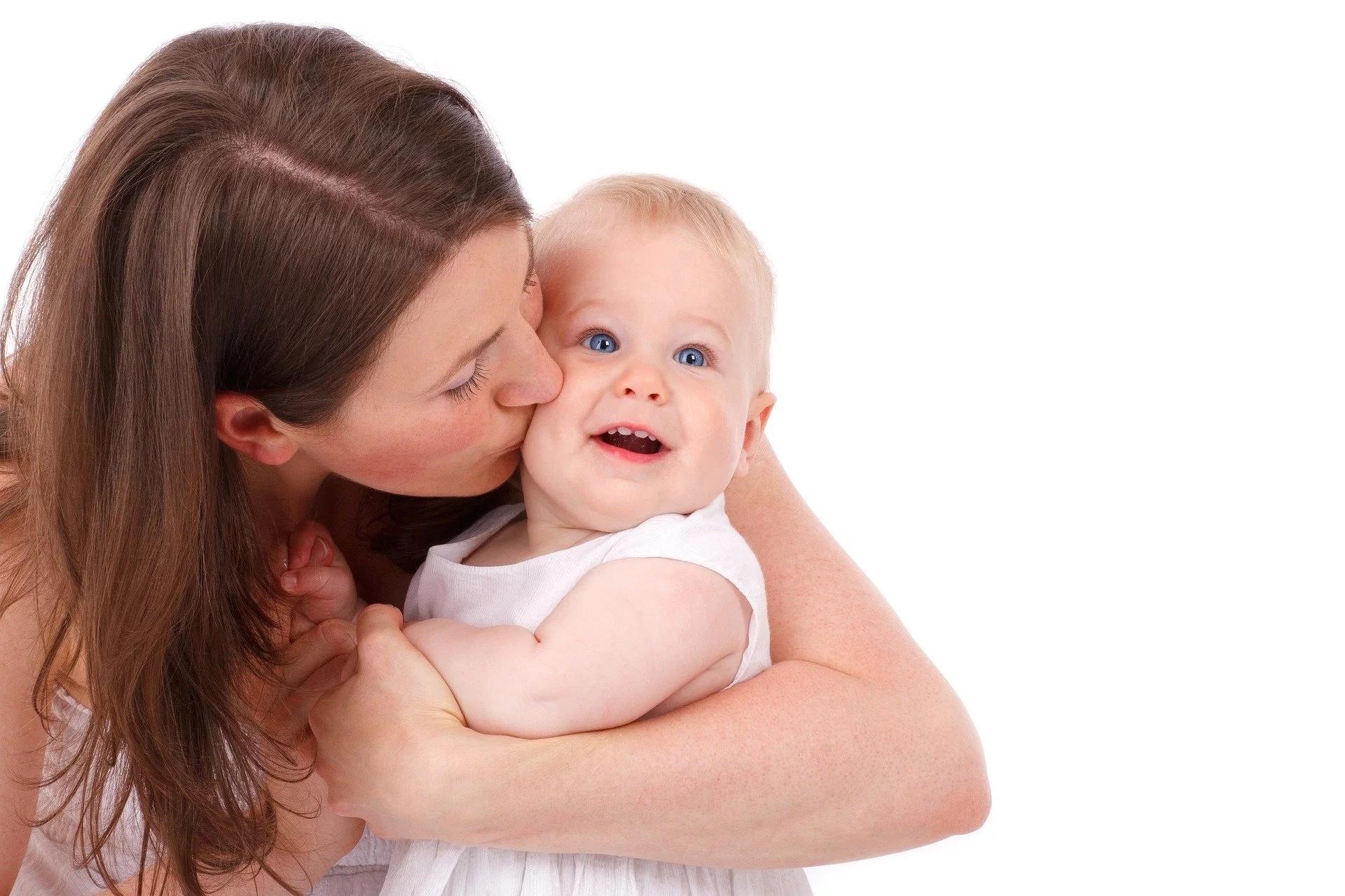 5 pyetje që duhet t'i bëni vetes, para se të vendosni të keni fëmijë