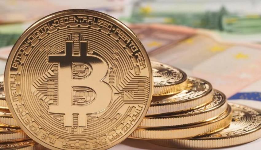 Bitcoin shënon rekord, arrin vlerën 1 trilion dollarë