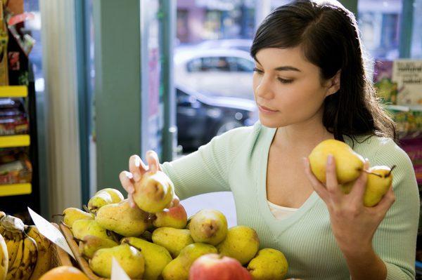 Studimi: Njerëzit që hanë dardhë çdo ditë janë 35% më pak të rrezikuar nga mbipesha