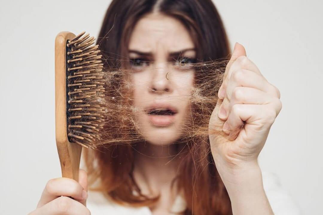 Përbërësit natyral që parandalojnë rënien e flokëve tuaj përgjithmonë