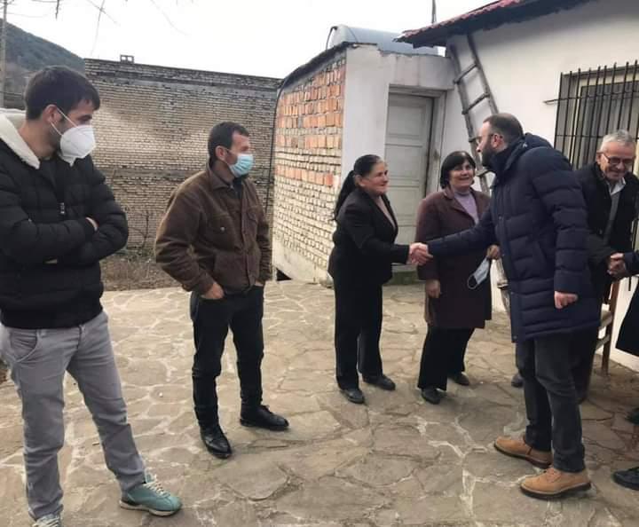 Bardhi takime me qytetarët në Elbasan: Boll më, duhet ndryshim!