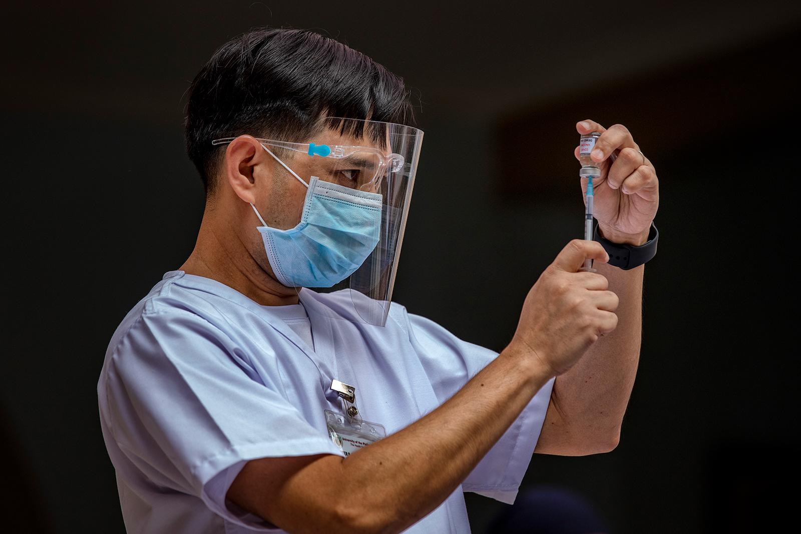 Në këmbim të dozave të vaksinave, Filipinet të gatshme të dërgojnë mjekë në Britani dhe Gjermani