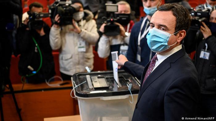 DW: Dialogu me Serbinë prioritet apo jo i qeverisë së ardhshme të Kosovës?
