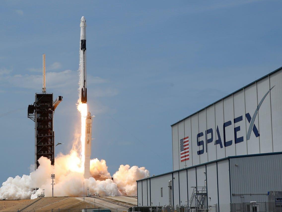 Elon Musk kthen kompaninë SpaceX në laborator për Covid-19