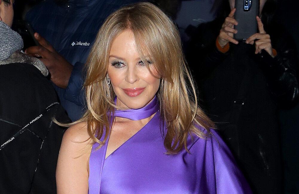 Kylie Minogue hedh poshtë thashethemet se është fejuar me Paul Solomons