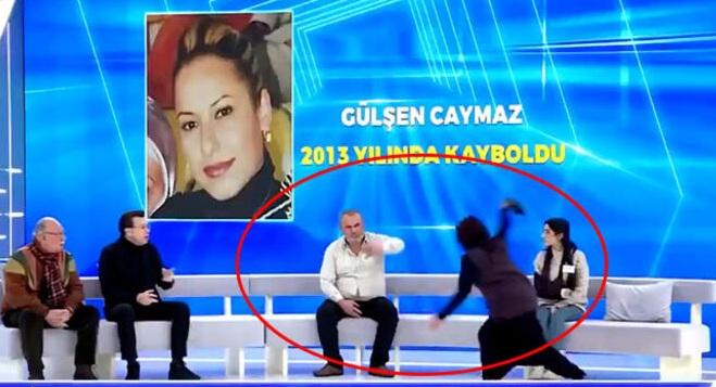 VIDEO/ Ndërpritet emisioni LIVE, gruaja i sulet të ftuarit dhe e qëllon me këpucë