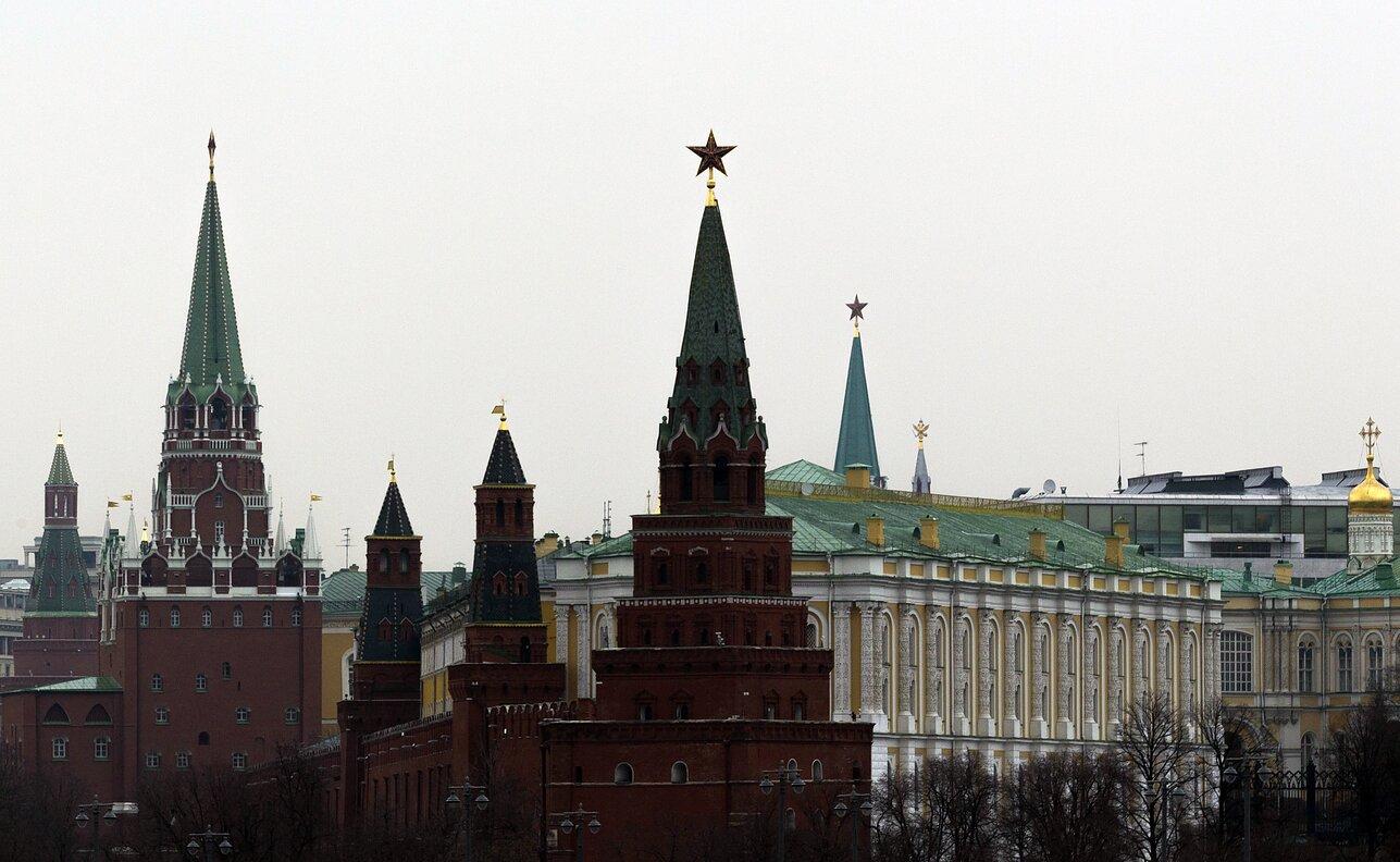BE i përgjigjet Moskës, dëbon tre diplomatë rusë