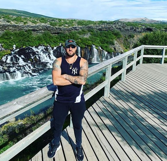 Vrasja në prag të shtëpisë në Islandë, arrestohen dy gra dhe shqiptarë, policia: U zgjerua rrethi