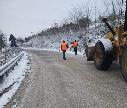Borë e ngrica, probleme në disa fshatra në Berat dhe Skrapar