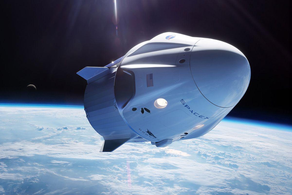 SpaceX pritet të dërgojë ekipin e parë civil në hapësirë