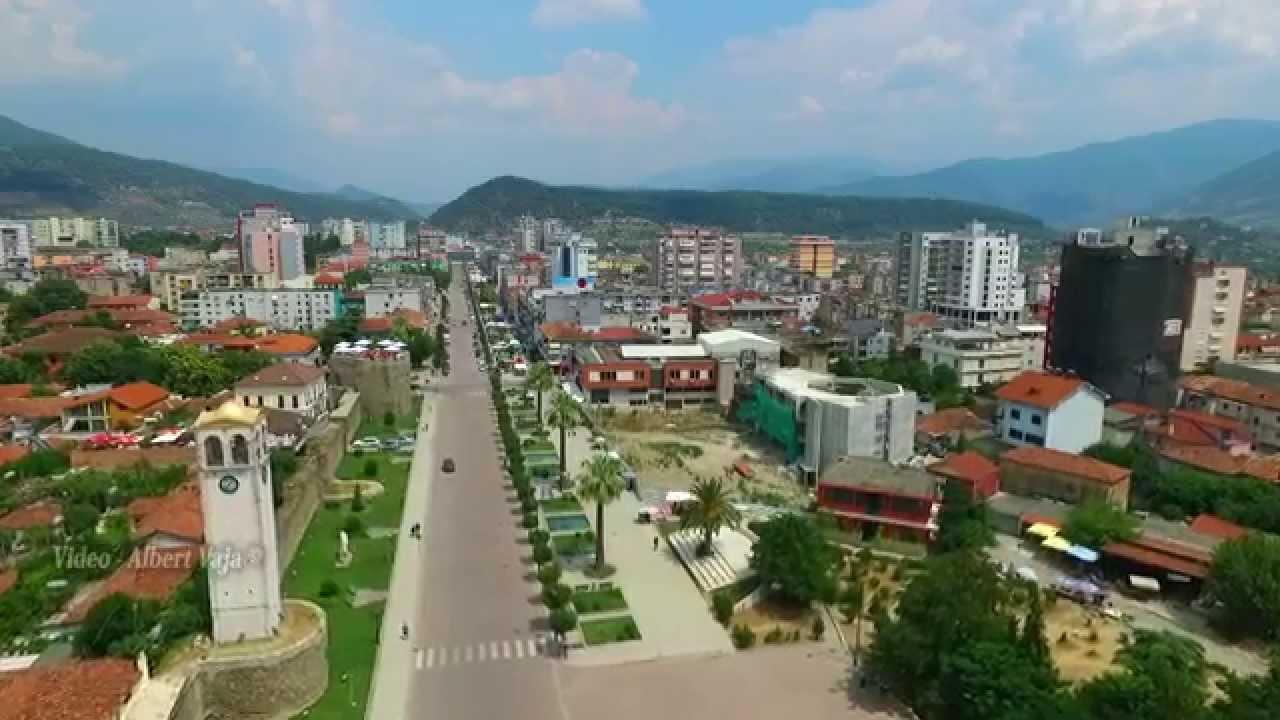 """Pabarazia varfëron qytetet e mëdha, si po """"shkërmoqet"""" Shkodra"""