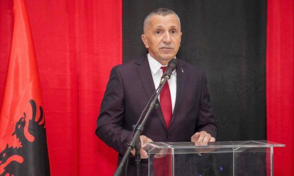Shaip Kamberi: Vuçiç po kërkon të blejë kohë për njohjen e Kosovës