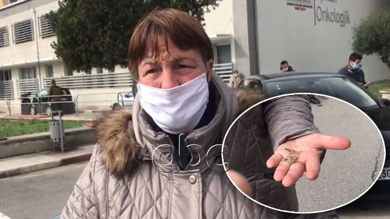 Vajza e pacientit me COVID: S'më japin unazën dhe portofolin e babait. Pas denoncimit i kthehen