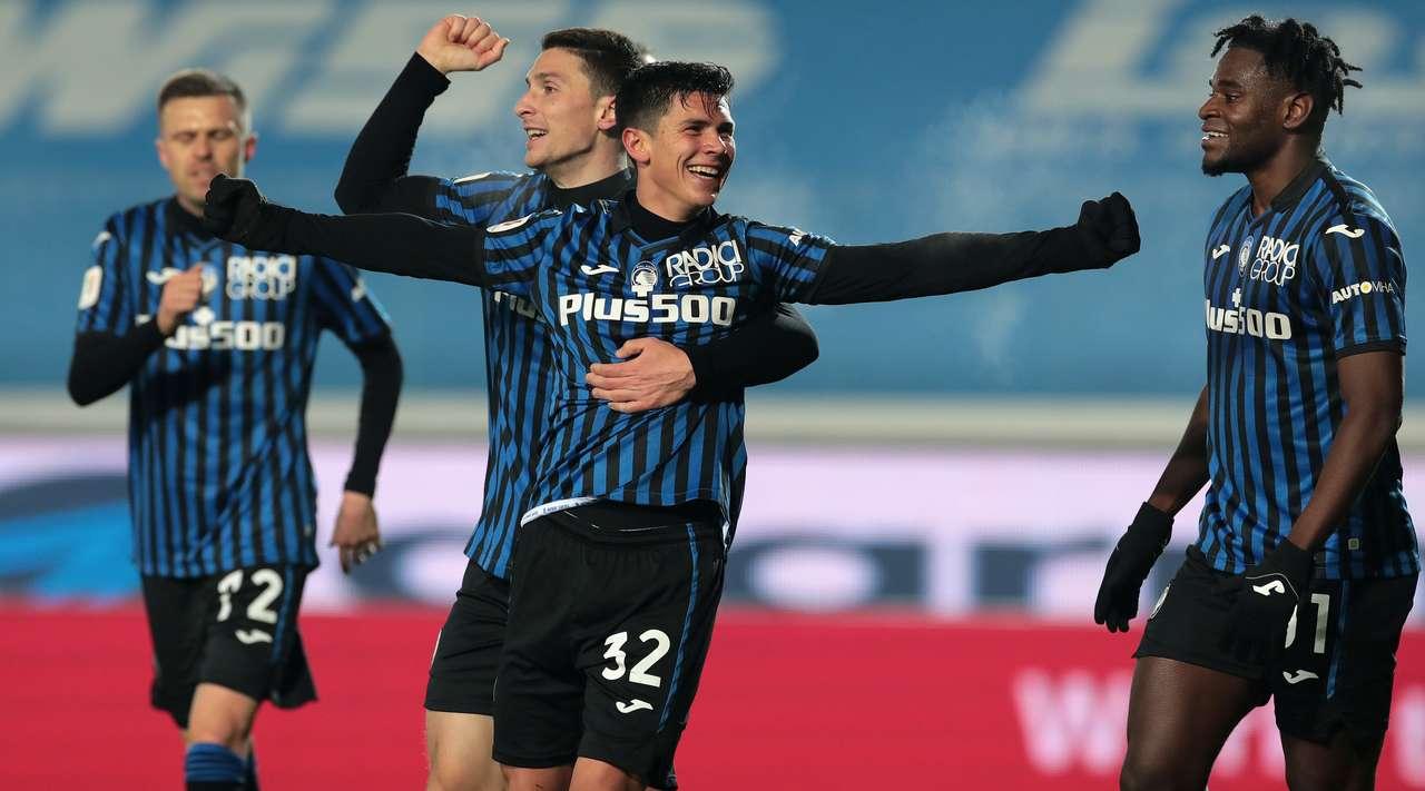 """VIDEO/ Atalanta superfuqi, """"shtyp"""" Napolin dhe kap finalen e Kupës"""
