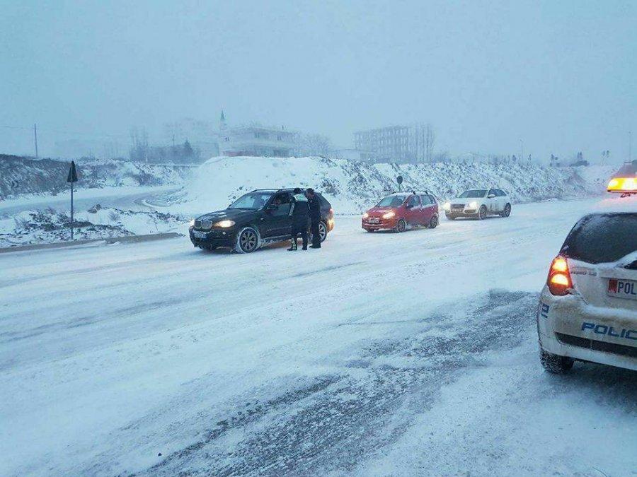 Pas borës vijnë ngricat, probleme me qarkullimin në Dibër dhe Bulqizë