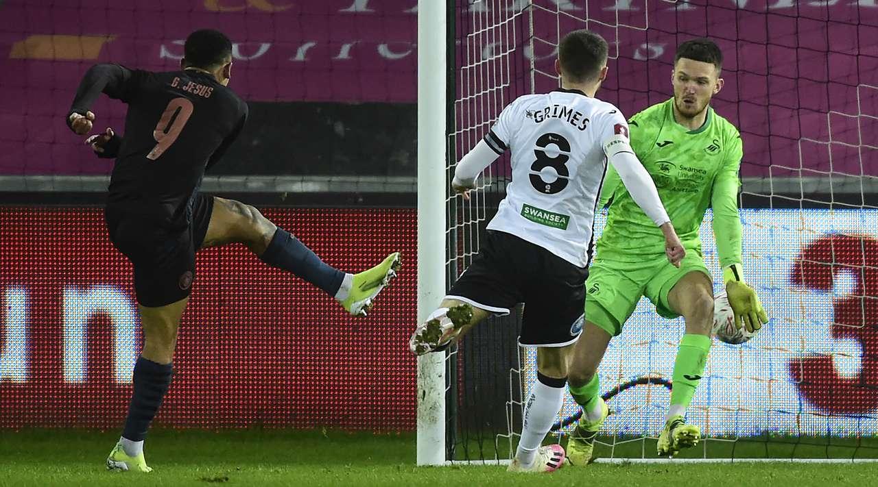 VIDEO/ Swansea shumë e dobët për ta, City kap çerekfinalet e Kupës