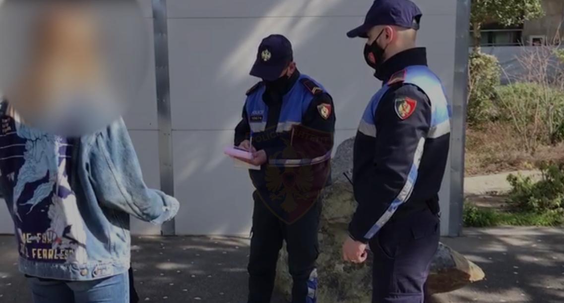 Lëvizje pa maska e shkelje të orës policore, 997 qytetarë të gjobitur në 24 orë