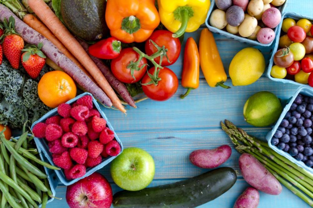 Çfarë diete duhet të ndiqni në rast të Covid? Ushqime që ju ndihmojnë të ndiheni më mirë