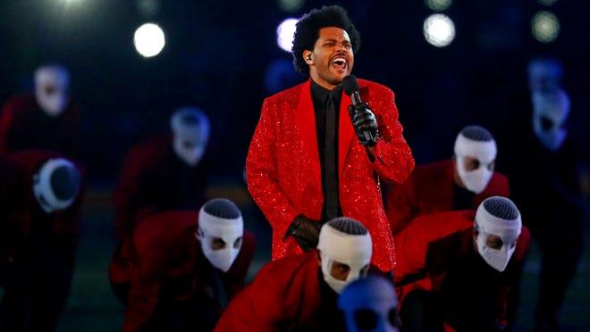 """The Weeknd elektrizon skenën e """"Super Bowl"""" me performancën që kushtoi 7 milionë dollarë"""