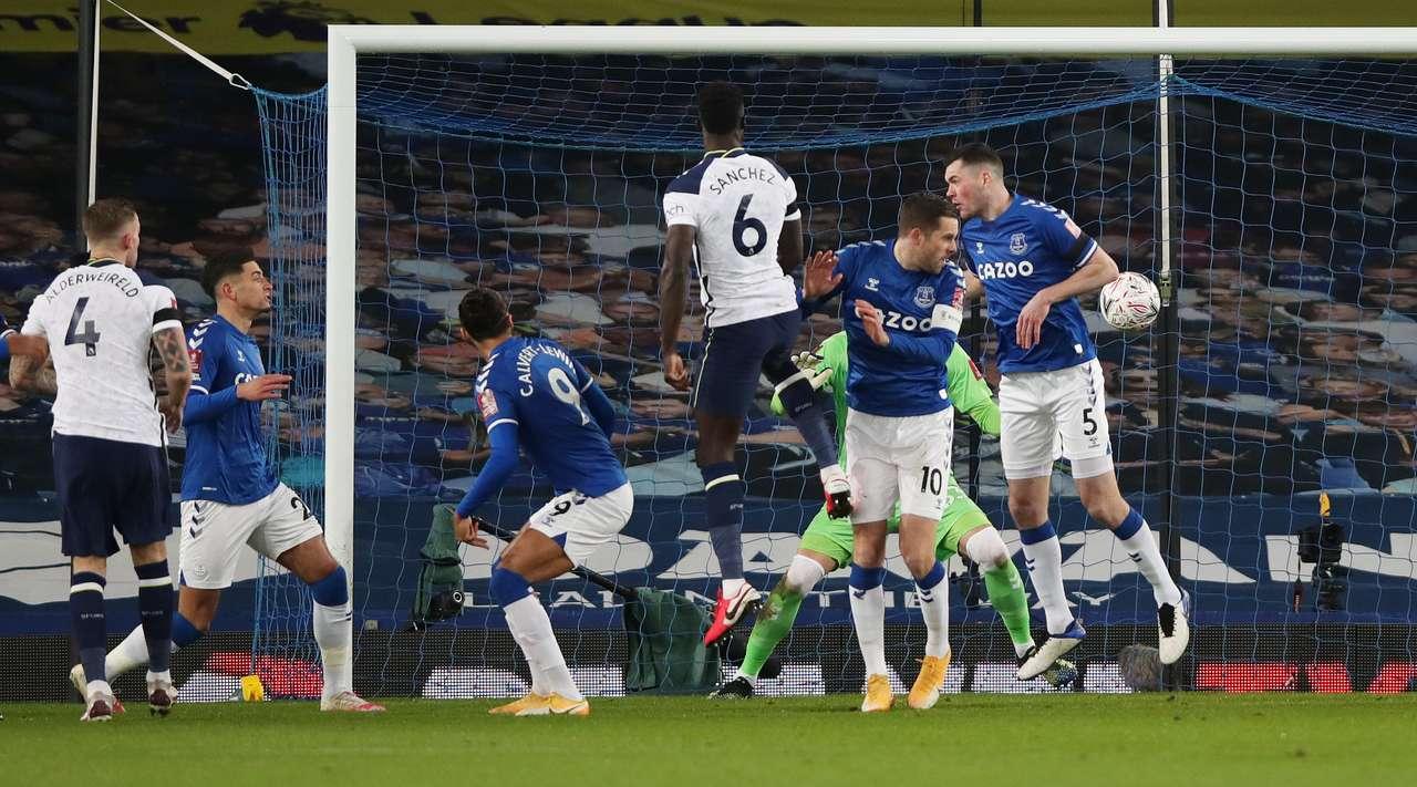 VIDEO/ 9 gola dhe betejë epike, Everton eliminon Tottenham nga Kupa