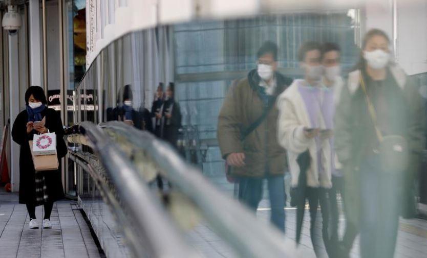 Mungesa e shiringave pengon vaksinimin në Japoni