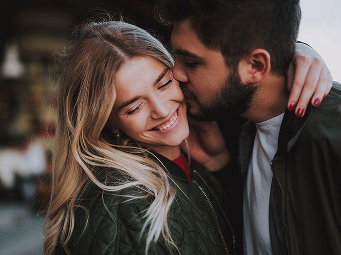6 mënyra të thjeshta si të përmirësoni marrëdhënien tuaj në çift