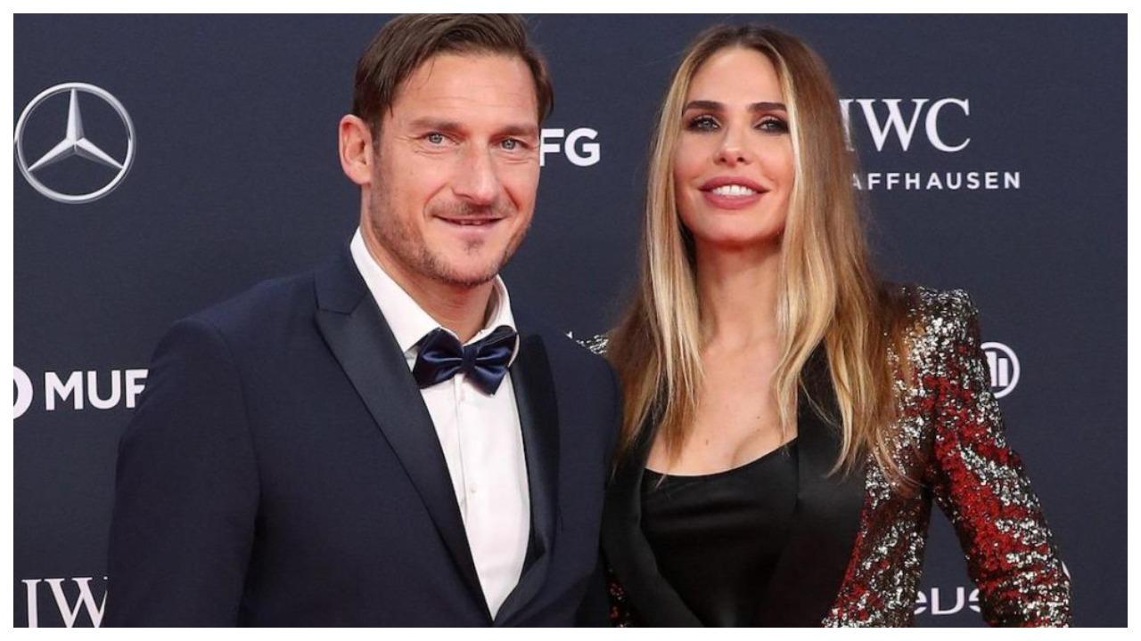 Përvjetori i njohjes me Ilary, Totti: Më përplasi derën e Ferrarit në takimin e parë