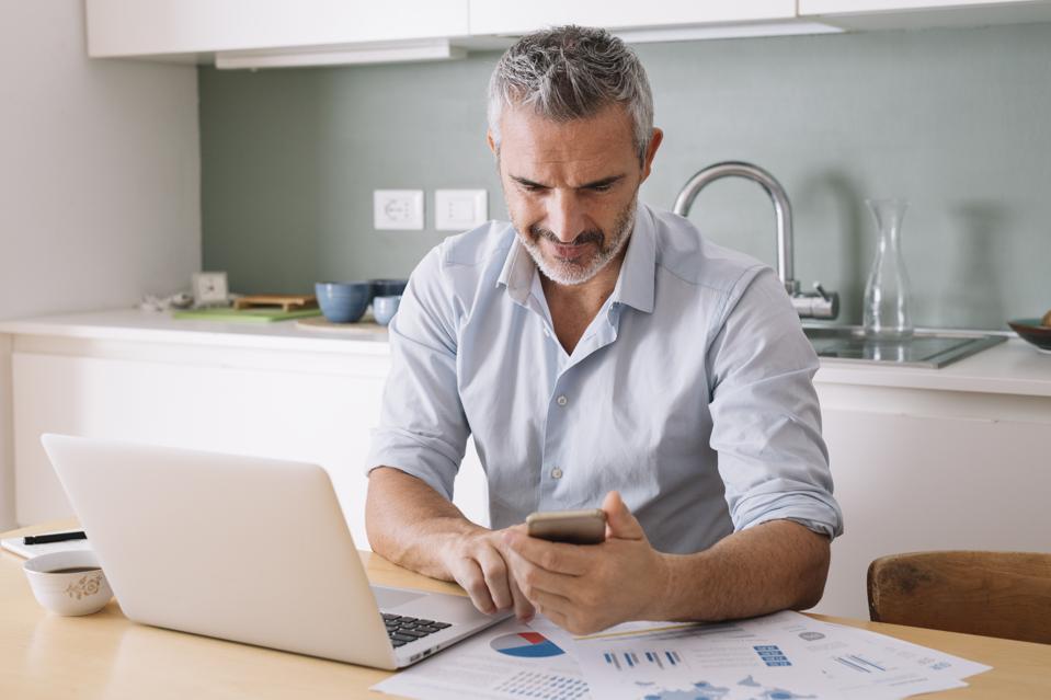Si të kontrolloni përvojën tuaj investuese