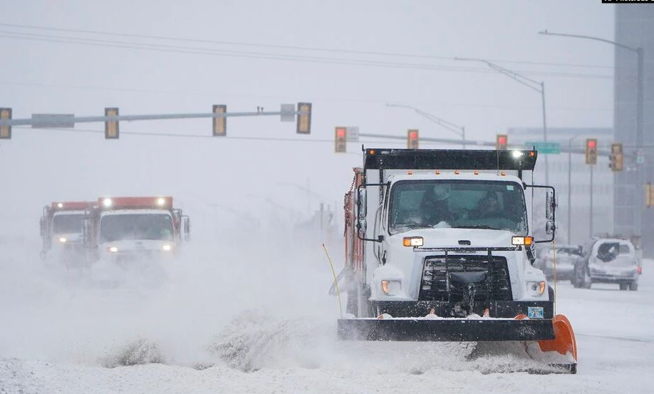 Stuhia dimërore ngadalëson vaksinimet në SHBA