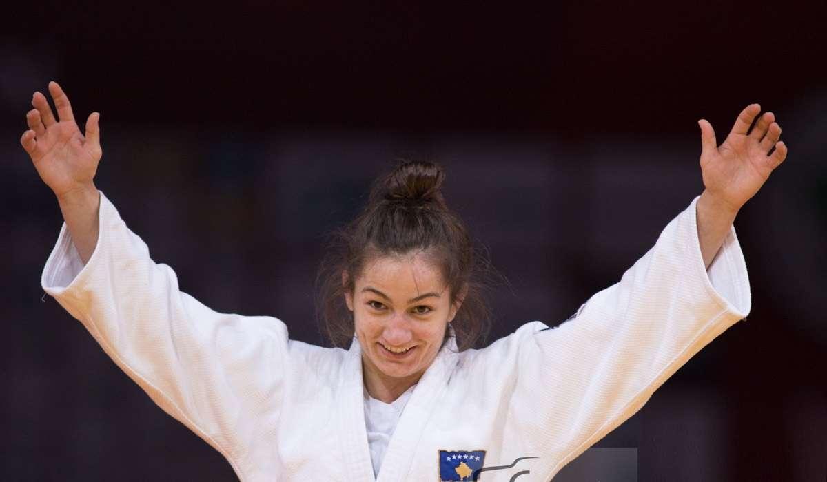 Kelmendi mbyll turneun në Izrael, një belge i dhuron medaljen e bronztë
