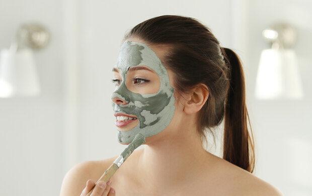 Ky është gabimi që bëni kur aplikoni maskën me argjilë