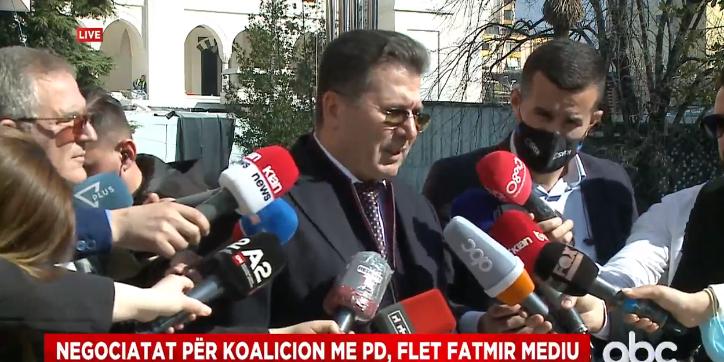 Firmosi i pari me Bashën, Mediu: Marrëveshja përcakton përfaqësimin e partive politike