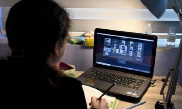 Nuk ndryshojnë masat anti Covid, mësim online për shkollat e mesme në këto bashki