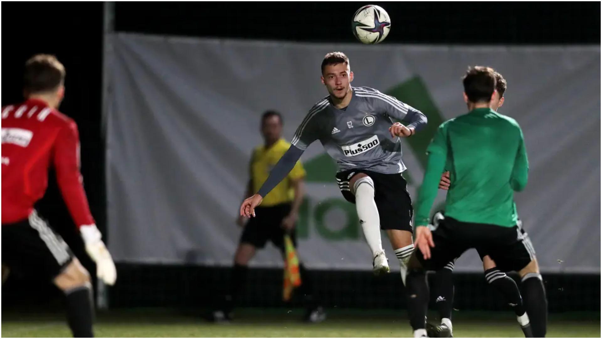 Muçi debuton me gol, trajneri i Legias: Messi ynë, turp ta lësh në stol