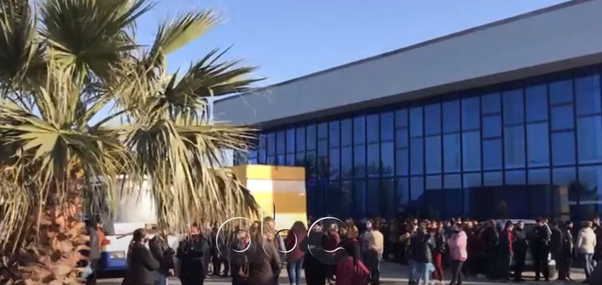 Protesta në Lezhë, reagon pronari i fabrikës: Mungesa e energjisë do të sjellë falimentimin