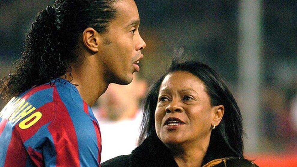 """""""Ishte inspirim i forcës dhe gëzimit"""", Ronaldinho me fjalë zemre pas humbjes së nënës"""