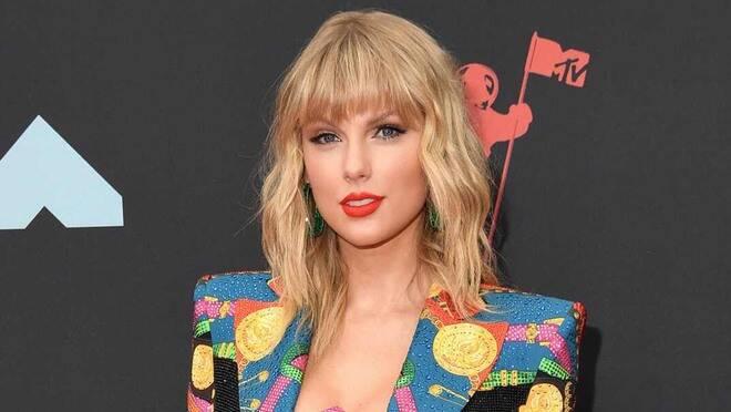 """Taylor Swift përfundon versionin e ri të """"Fearless"""", kur do të publikohet albumi"""