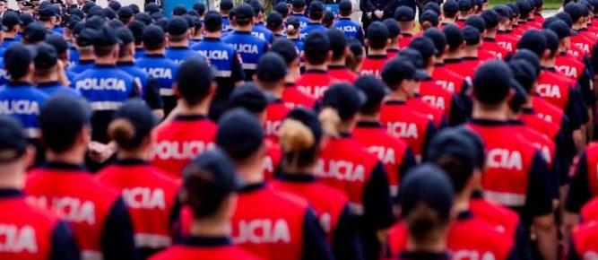 Kuvendi pritet të pezullojë procesin e vettingut në polici