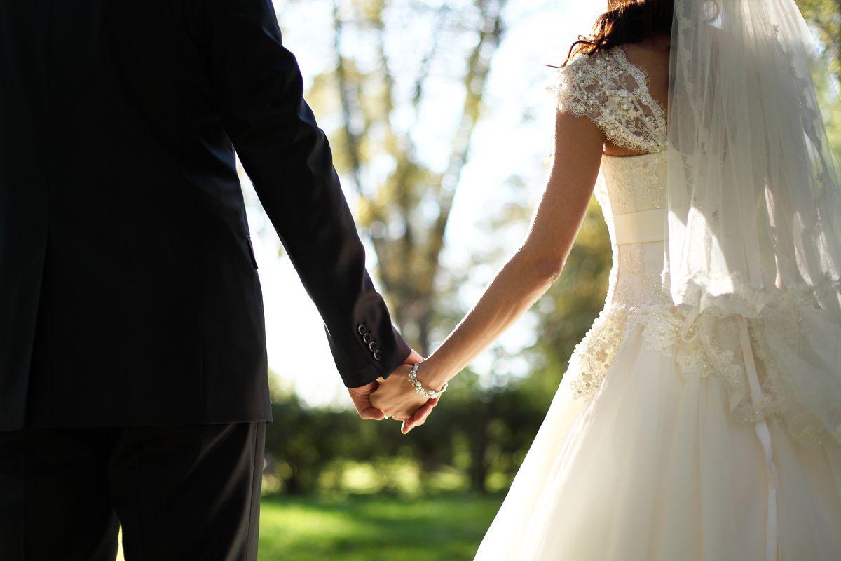 Pandemia la shqiptarët pa martuar, celebrimet ranë me 22% në 2020-n
