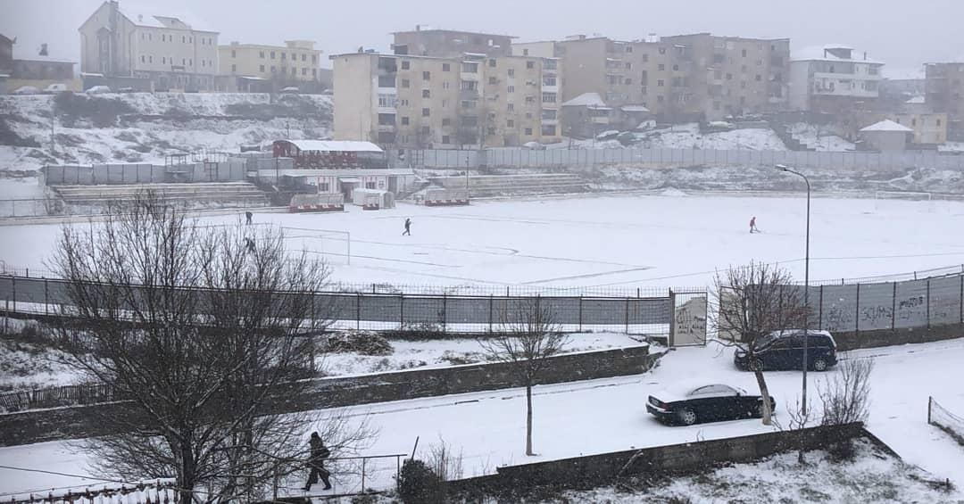 Bora problem për futbollin, anulohen tre takime të Kategorisë së Parë