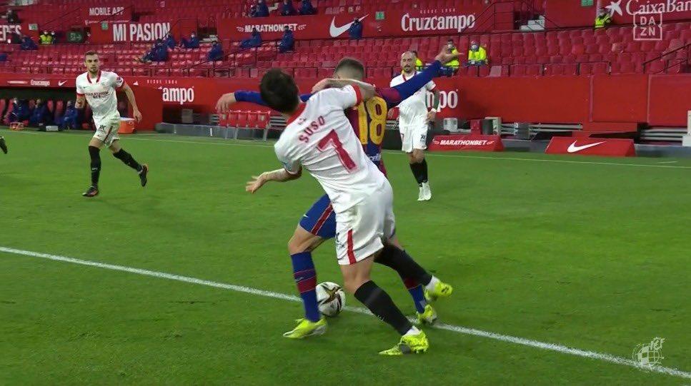 """VIDEO/ Tërbohen për një penallti te Barça, Suso ua kthen me një """"emoji"""""""
