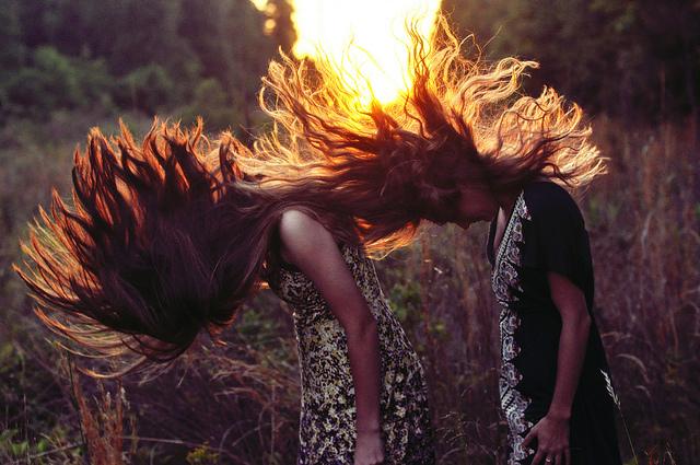 Çfarë do të thotë nëse shihni veten duke ndezur zjarr në ëndërr