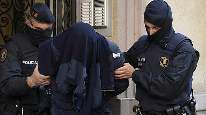 Trafikonin drogë nga Spanja drejt Italisë, arrestohen 8 shqiptarë e italianë