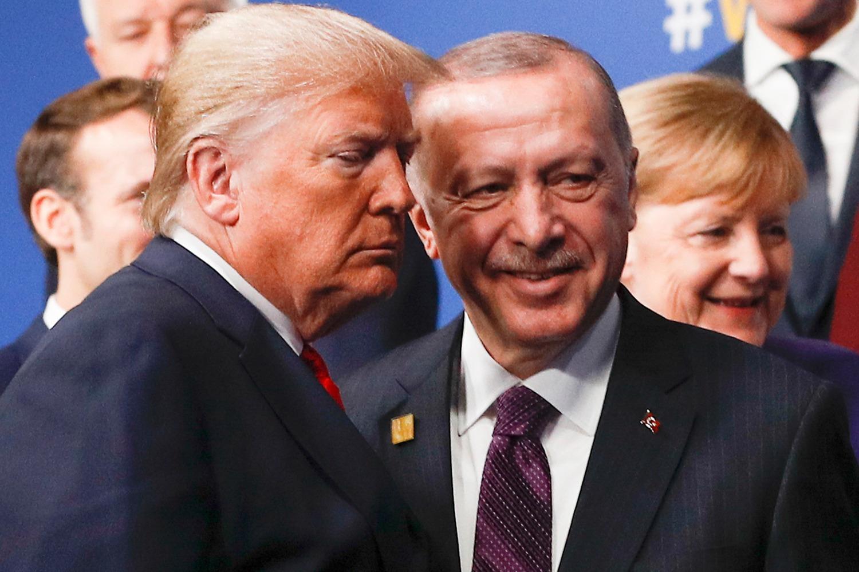 """""""Der Spiegel"""" plas skandalin: Trump dhe Erdogan të përfshirë në aferat e HalkBank"""