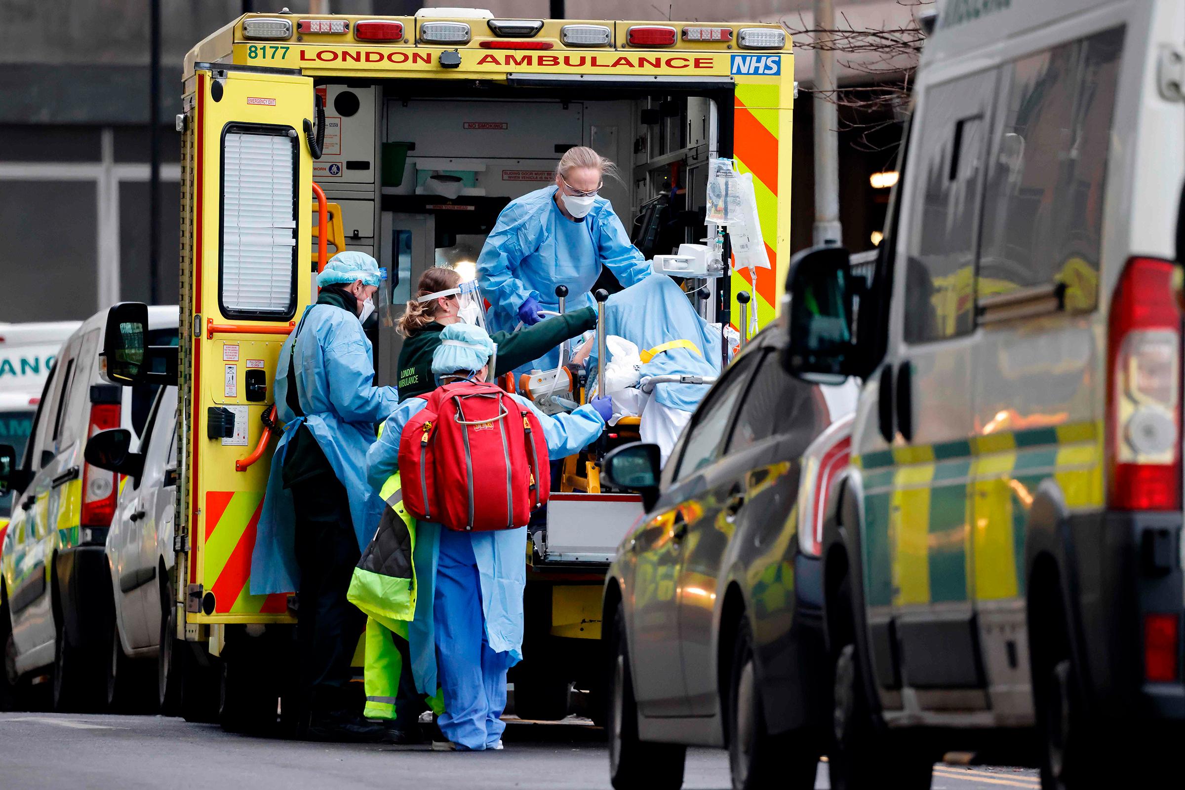 Masat e ashpra anti-Covid në Britaninë e Madhe, 78% raste më pak brenda 6 javësh